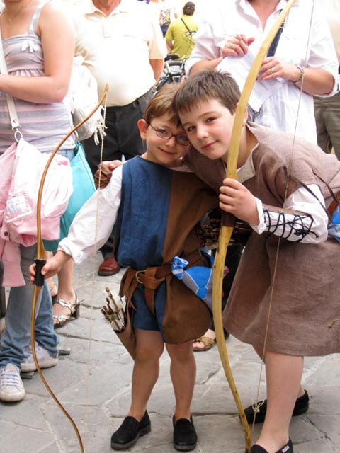 two-young-archers-in-medieval-dress-bevagna