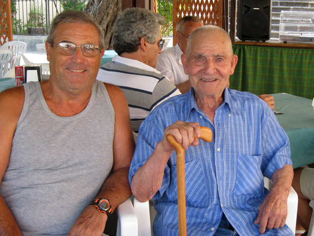 gaetano-with-nonno-pasquale-in-the-shade-of-the-ficus-tree1