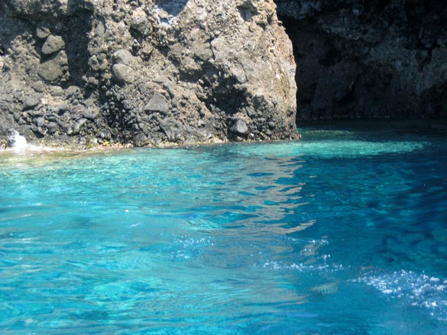 ustica-volcanic-island-and-what-water
