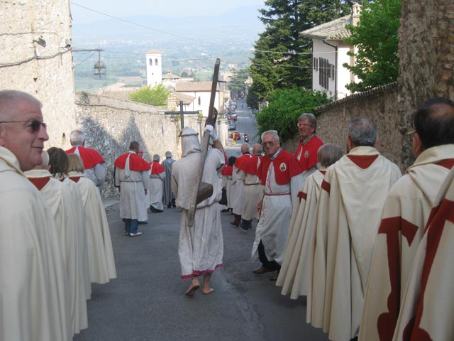 Morning-procession-with-carriers-of-crosses-Confraternity-members