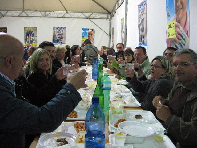 Grello-group-enjoying-food-together