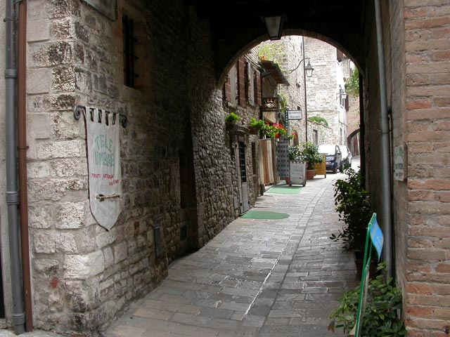 Gubbio-fully-medieval-town