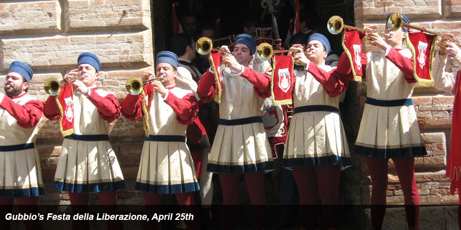 Gubbio trumpeters announce the start of ceremony