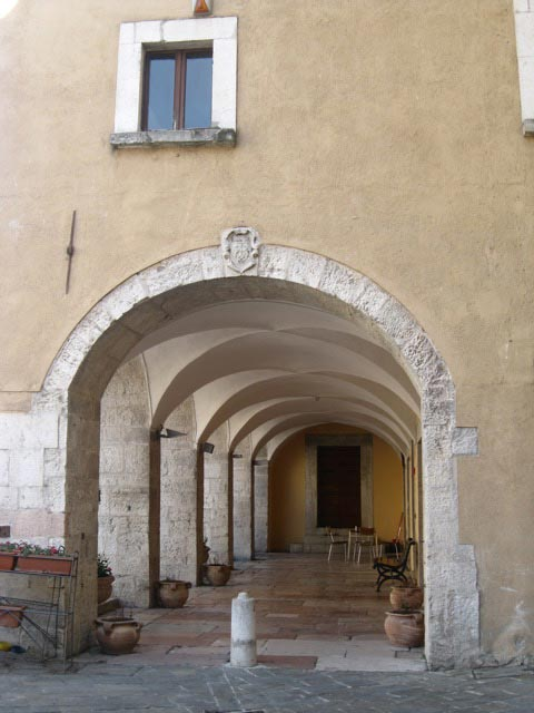 visso-arched-porticoes