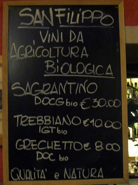 Organic-wines-accompany-savory-dishes