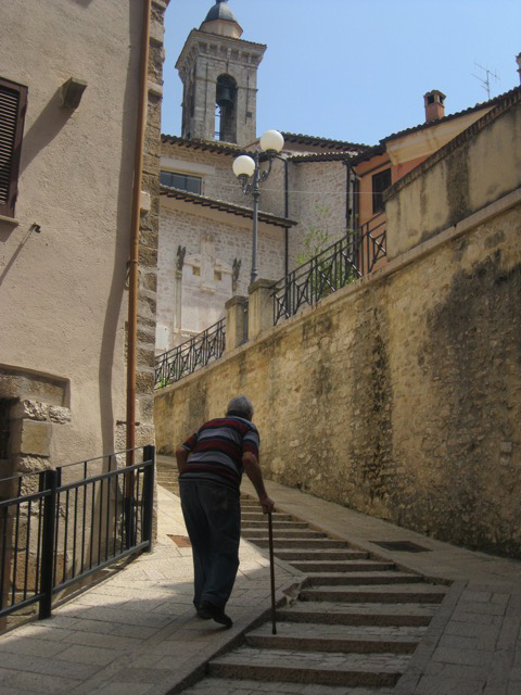 preci-resident-heads-slowly-up-the-steep-streets