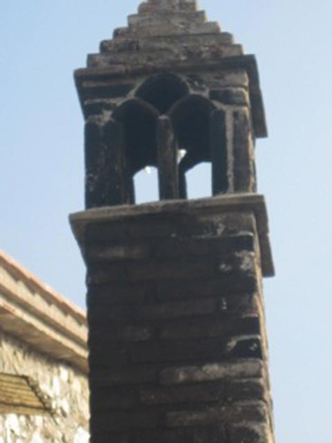 Assisi-chimney-sculpture-what-detail