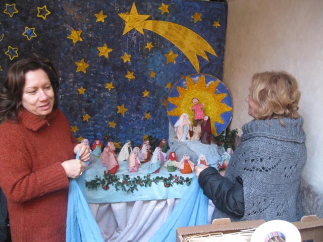 making-the-nusery-school-creche-in-a-fountain-e1356272722887