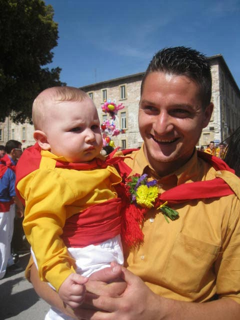 Passione-for-the-Ceri-is-born-early-in-Gubbio