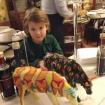 Colorful-cows-decorate-tables-in-the-Torcolo---and-attract-the-children
