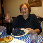 San-giovese-grapes-on-the-plate,-ikn-the-wine