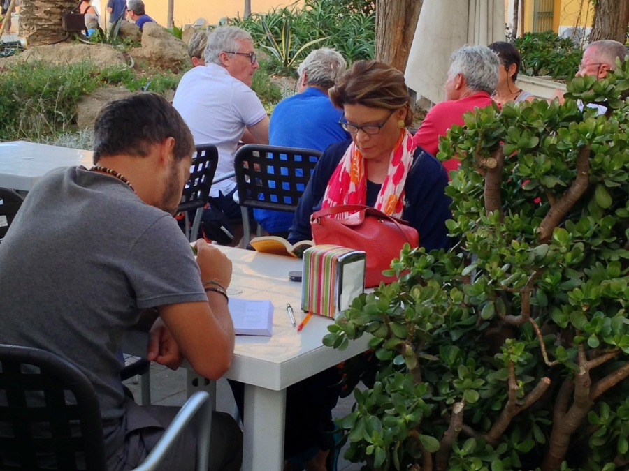 Readers everywhere on Ventotene