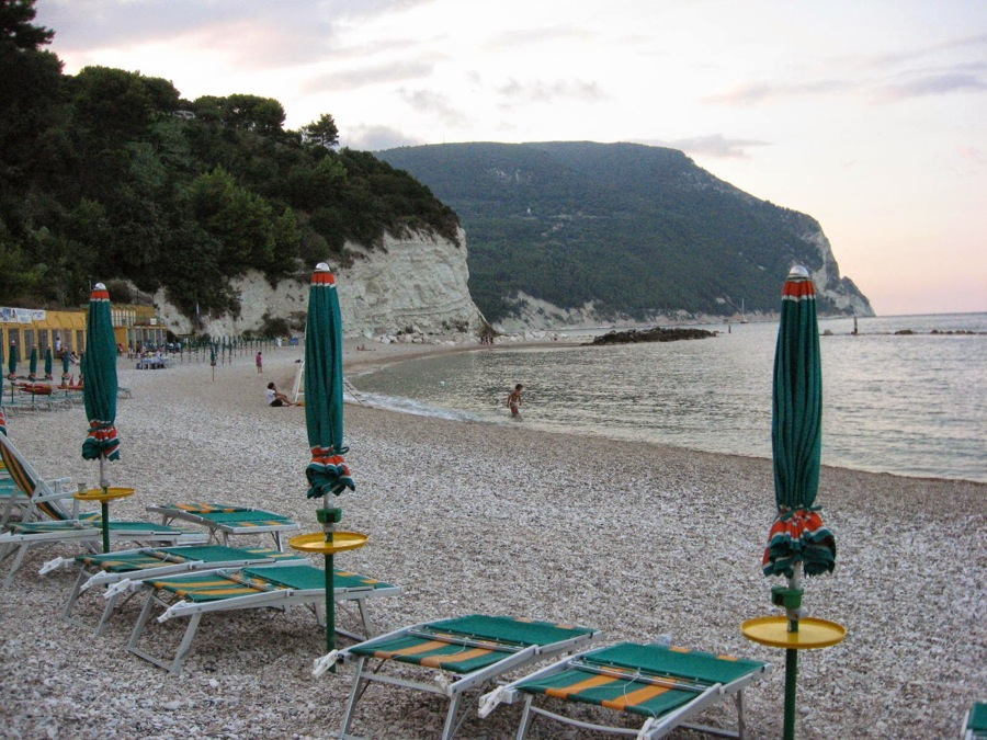 Sirolo - a favorite beach at sunset
