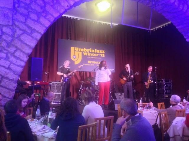 Cynthia Bland and her band in the former Franciscan refectory