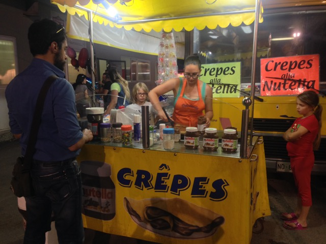 This sagra also has a stand with nutella crepes