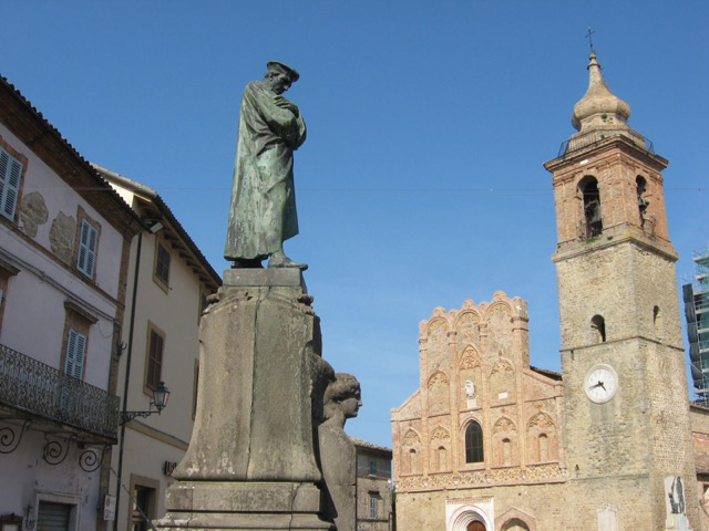 In the main square, statue of Alberico Gentili, founder of international law study