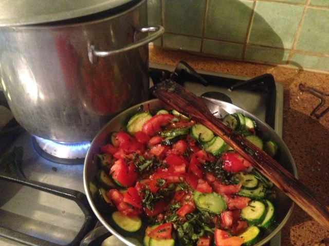 ..and this pasta sauce is ready in the time it takes to boil the pasta water!