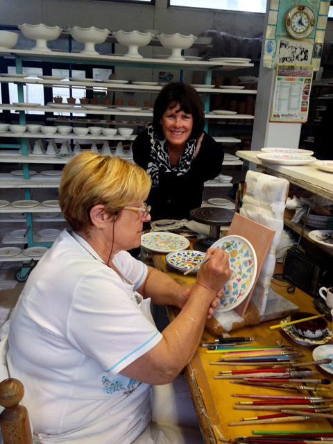 Therese intrigued with Deruta maiolica art work