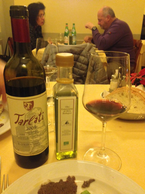 Wine and olive oil right from the Volpi farmlands