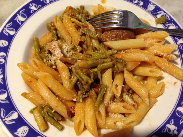 Pasta with wild asparagus
