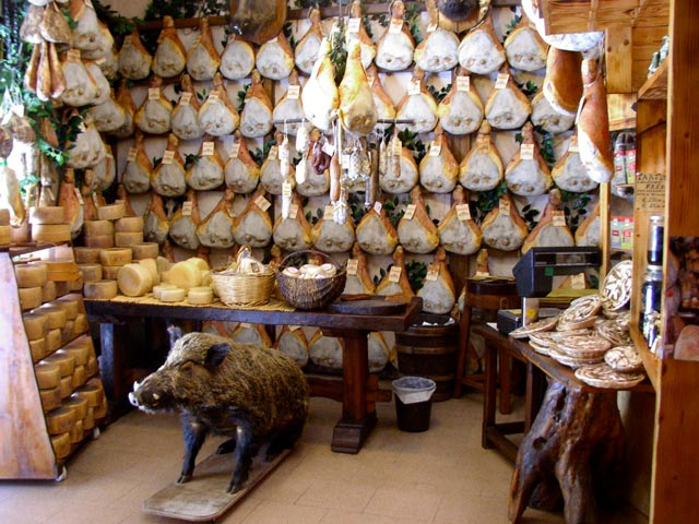 cheeses-and-wild-boar-in-norcia-shop