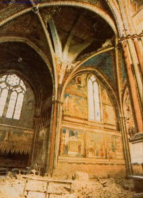 san-francis-damaged-frescoes