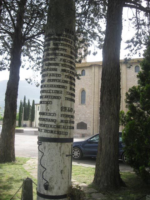 A-column-with-all-the-names-of-deceased-on-Rivorto-memorial