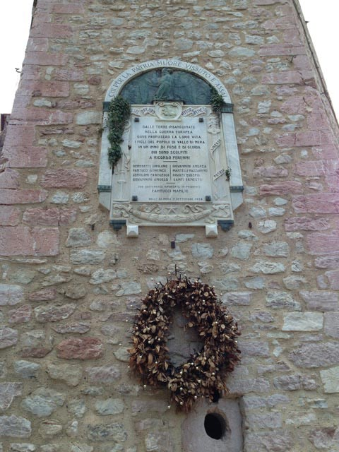 Tiny-Vallo-di-Nera's-war-memorial-remembers-8-village-boys-who-died-in-WW-I
