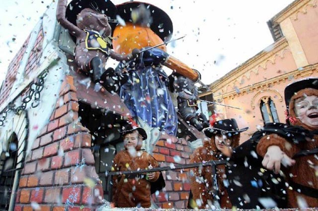 Carnevale, Castagnole and Other Pleasures 05