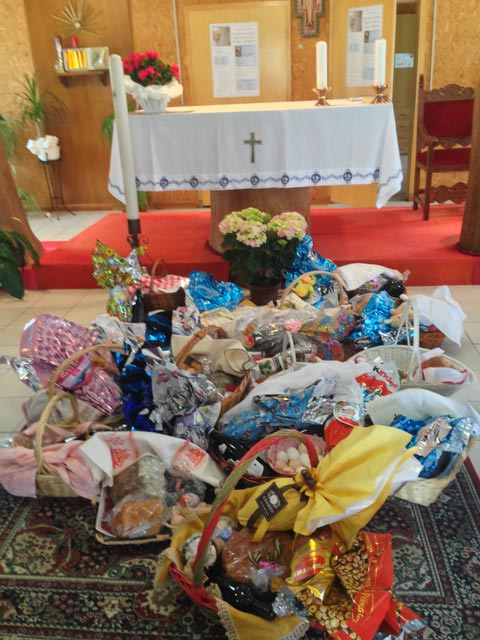 baskets-at-the-altar