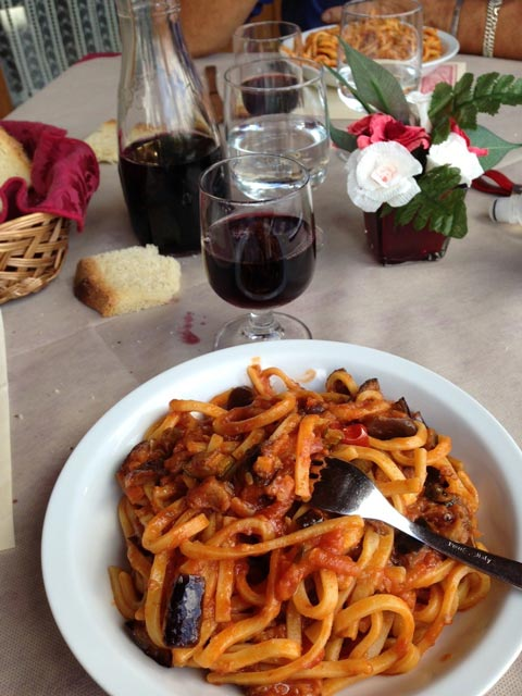 pasta-and-red-wine