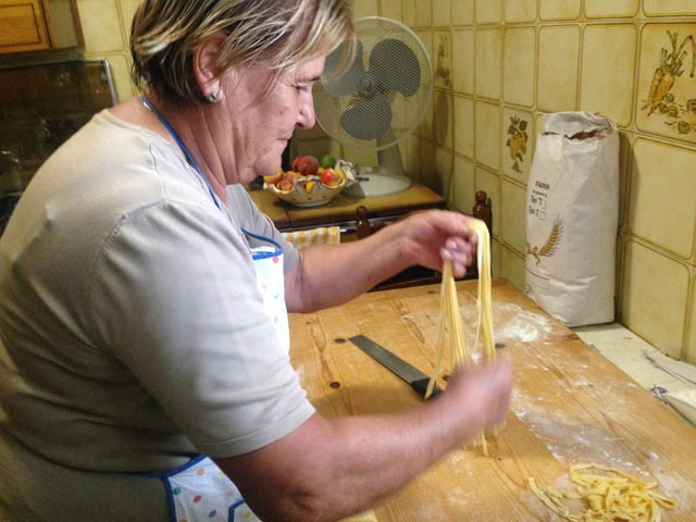 Rural Feasting Near Deruta: Homemade Pasta – and Not Only… 01 – 16
