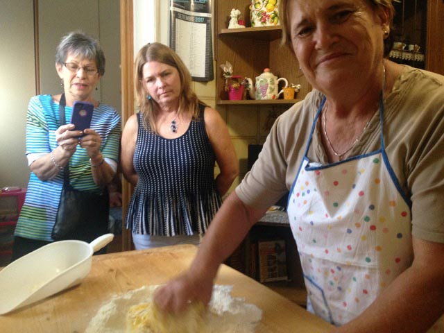 Rural Feasting Near Deruta: Homemade Pasta – and Not Only… 01 – 04