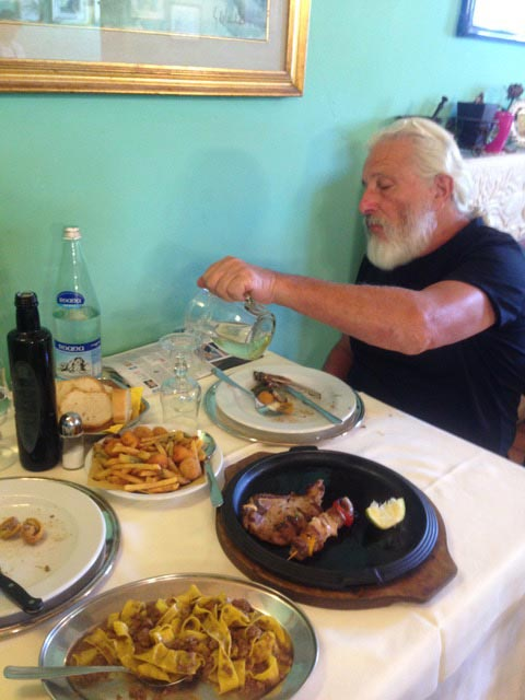 P-pours-verdicchio-wine-with-foods-all-around