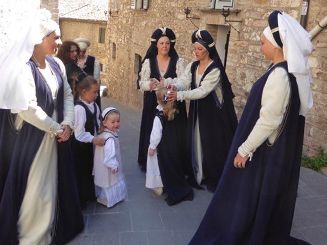 Photo 04 – Inside Anne's Umbria Celebration: Second Time Around! – Slider 2