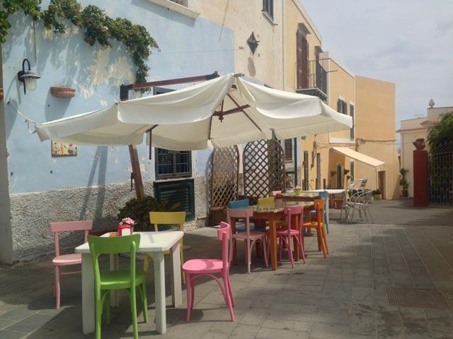 Photo 02 – Ventotene: That Kaleidoscopic Island 1