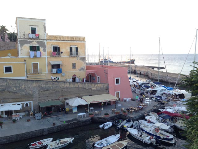 Photo 03 – Ventotene: That Kaleidoscopic Island 1