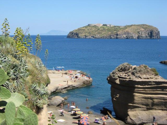Photo 27 – Ventotene: That Kaleidoscopic Island 1