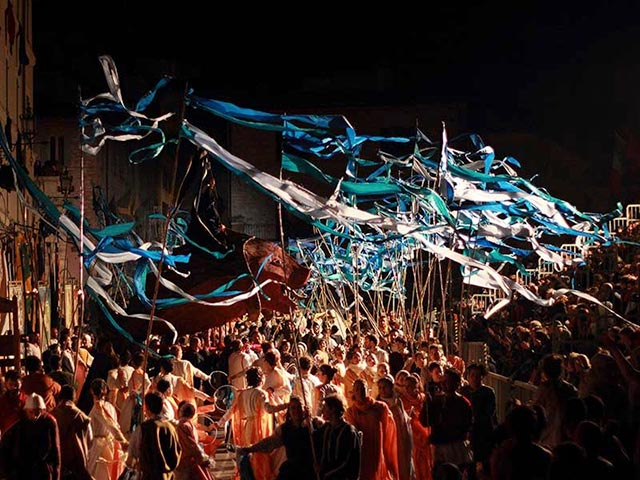 Assisi's Calendimaggio: Living La Passione 1 – 22
