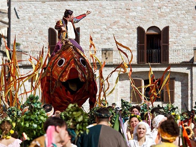 Assisi's Calendimaggio: Living La Passione 1 – 29