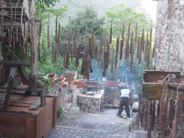 In Assisi, Calendimaggio In the Making – Without Gina 1 – 03