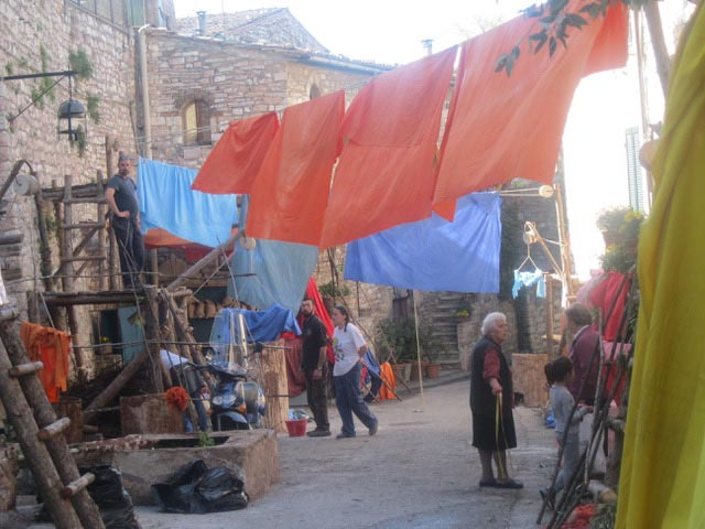 In Assisi, Calendimaggio In the Making – Without Gina 1 – 06