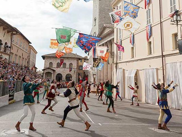 Assisi's Calendimaggio: Living La Passione 1 – 13