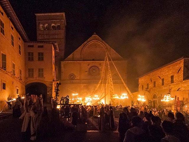 Assisi's Calendimaggio: Living La Passione 1 – 08