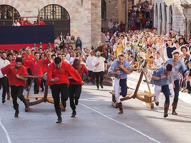 Assisi's Calendimaggio: Living La Passione 1 – 12