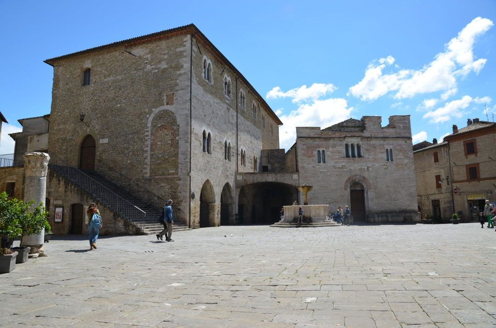 Bevagna's San Silvestro in the piazza